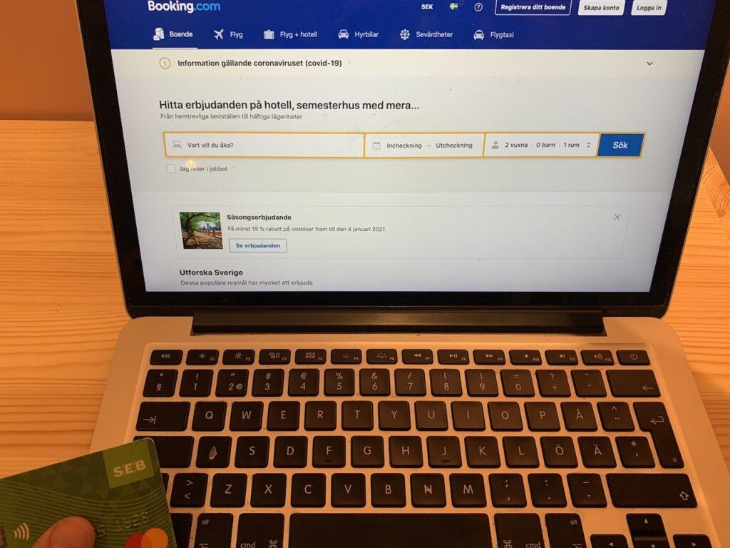 Bokning av semester på booking.com kan vara en del av kundresan.